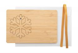 Kartka świąteczna ze sklejki bambusowej z odrywaną ozdobą choinkową i złotą wstążką - AP716450